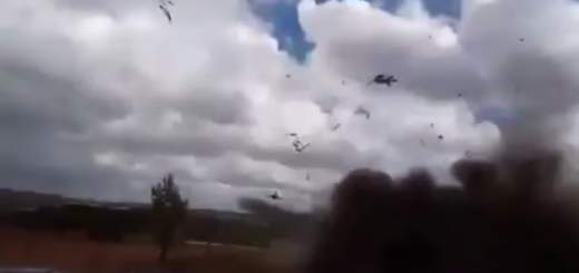 Screen Shot 2017 09 19 at 1.44.53 PM 520x245 - Video shows Russian helicopter accidentally firing missiles at spectators before Putin shows up at war games