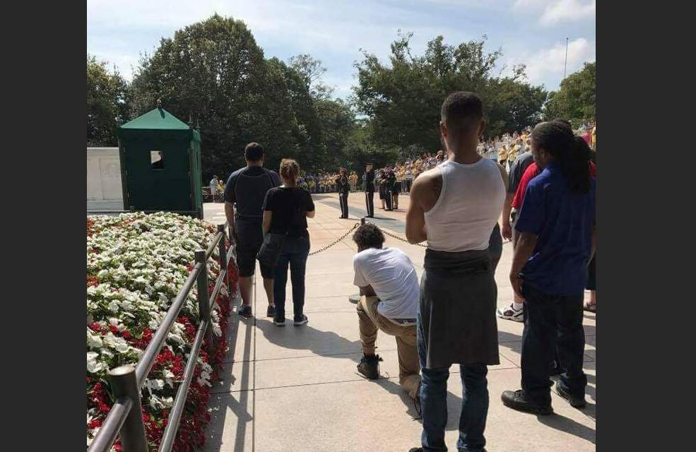 Picture of man kneeling during taps at Tomb of the Unknown Soldier is sparking outrage following NFL protests Featured