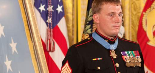 Screen Shot 2017 10 03 at 2.09.24 PM 520x245 - This is how Marine Dakota Meyer saved 36 soldiers in Afghanistan
