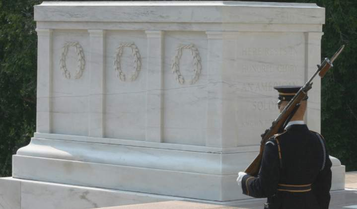 (VIDEO) Go behind-the-scenes at the Tomb of the Unknown Soldier Featured