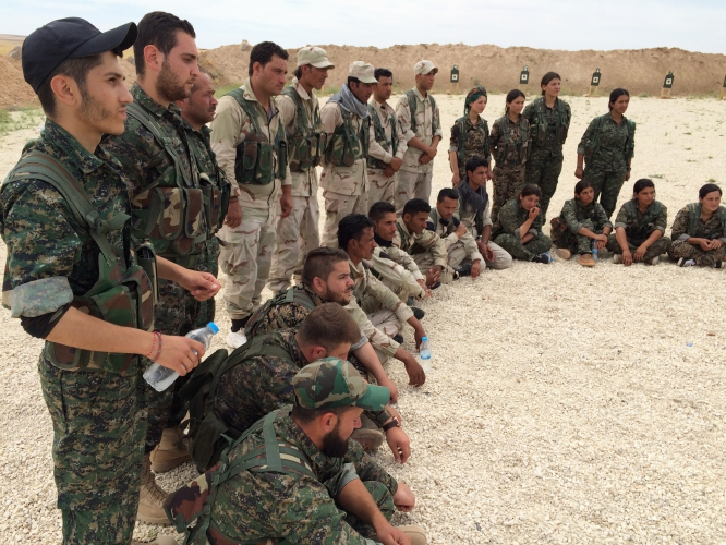 U.S. Military Trains Syrian Anti-ISIS Fighters Group Featured