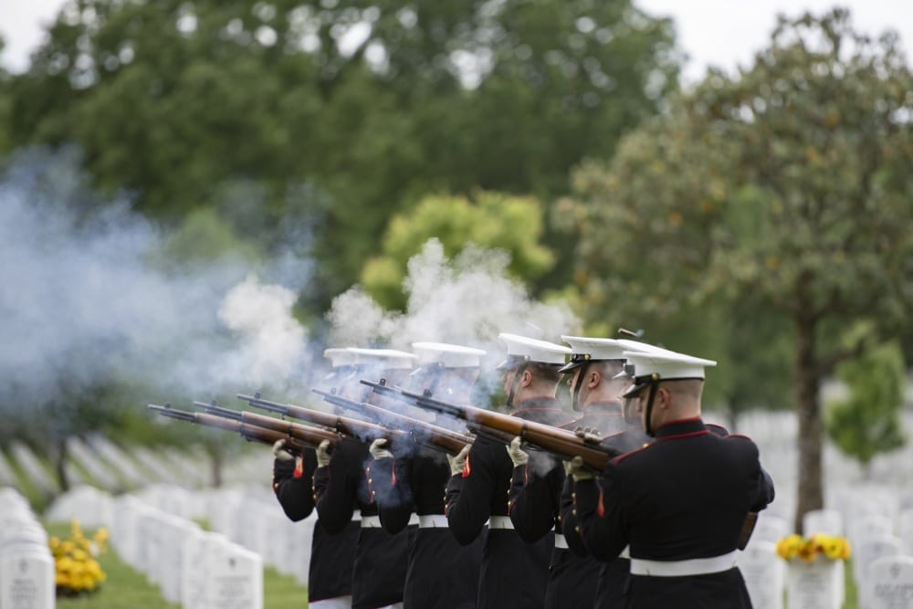 Army vet dies with no family – funeral home invites public to burial in SC