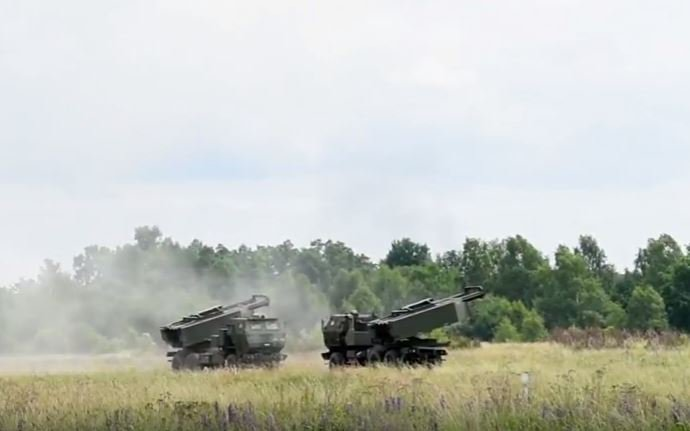 142 HIMARS - Tennessee Army National Guard executes High-Mobility Artillery Rocket System fire mission in Poland