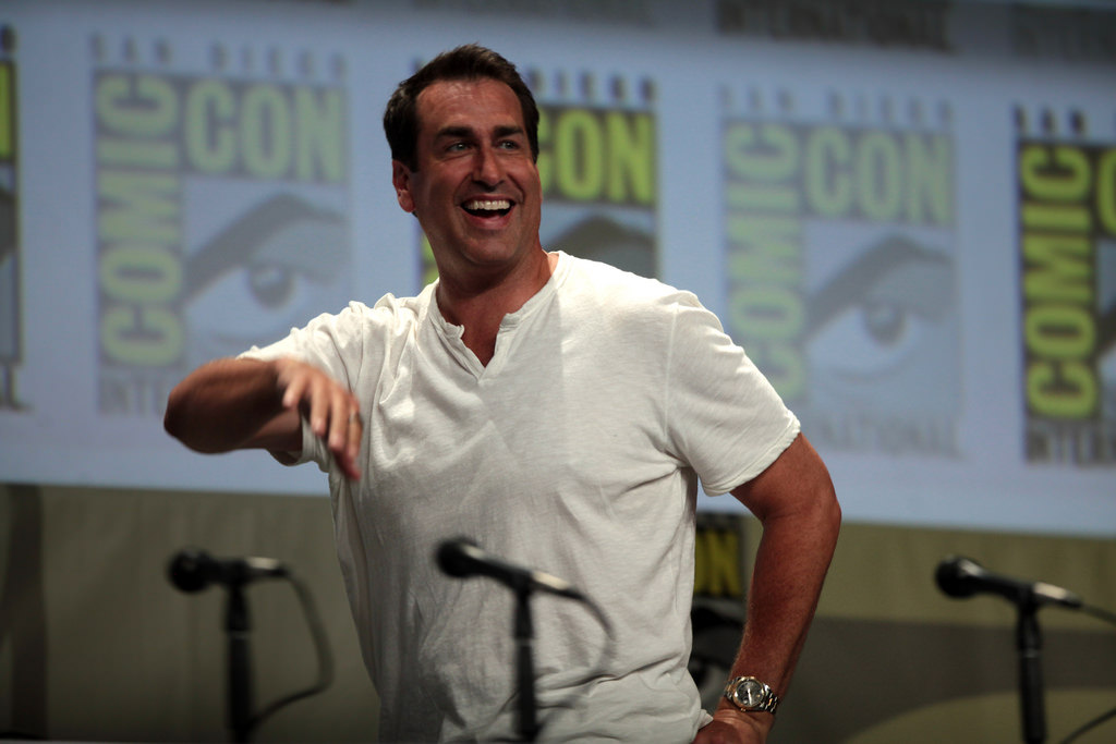 "Rob Riggle: ""The Military Isn't Funny"" Featured"