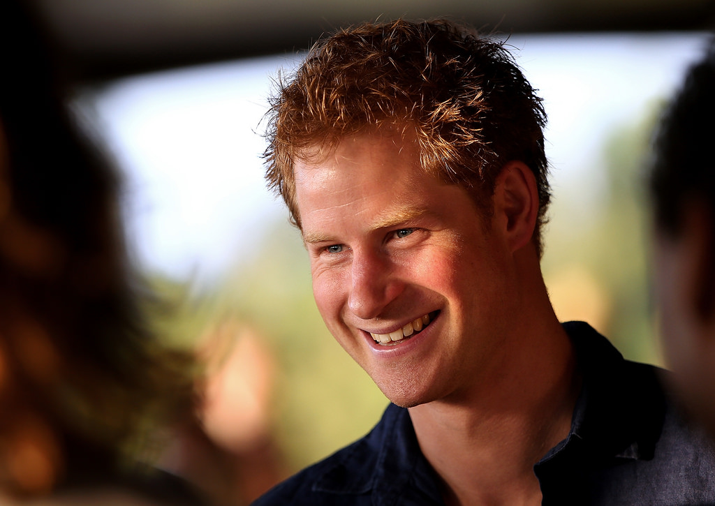 Prince Harry's Christmas Card Includes A Heartwarming Tribute To Veterans Featured