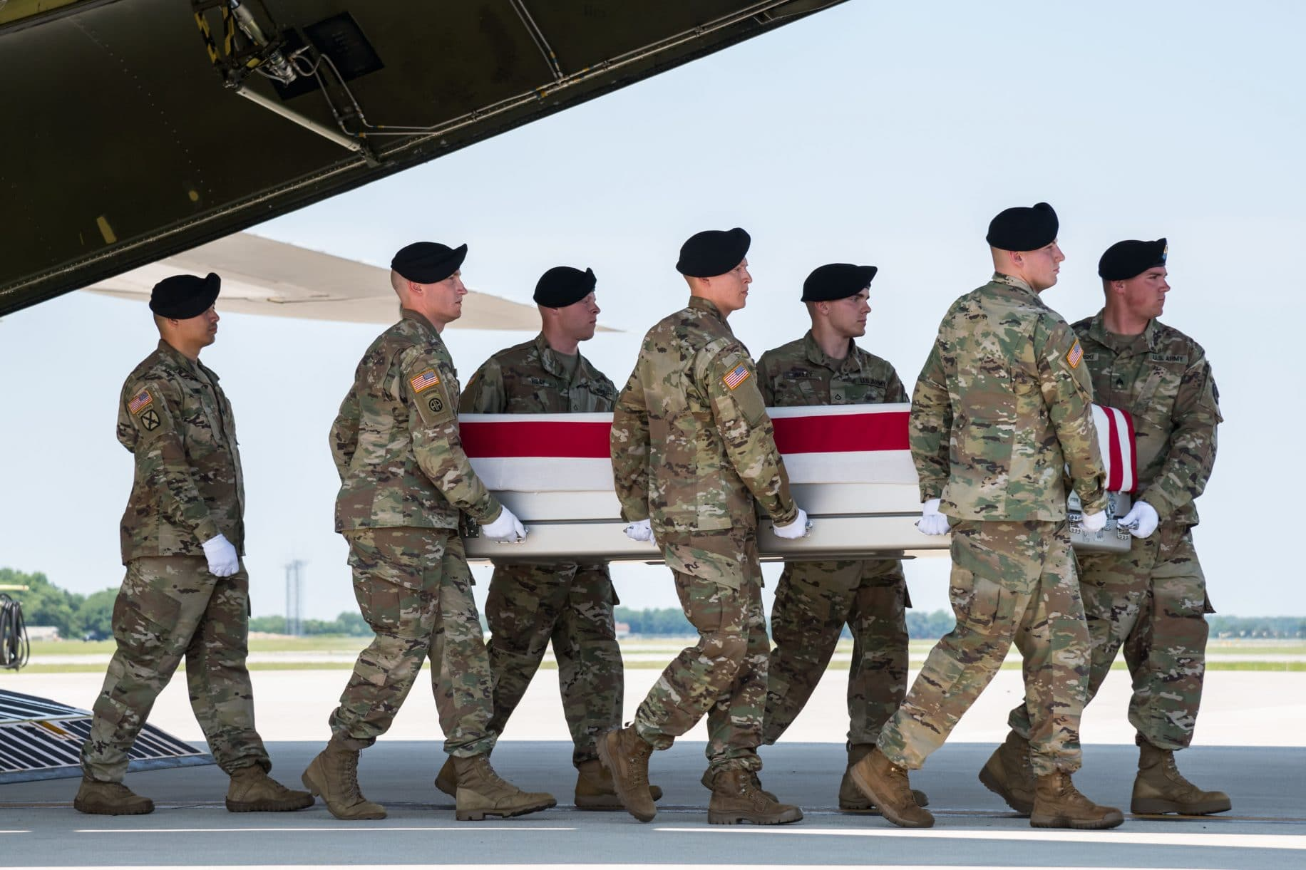 Body of Green Beret who died in Afghanistan returns home to US