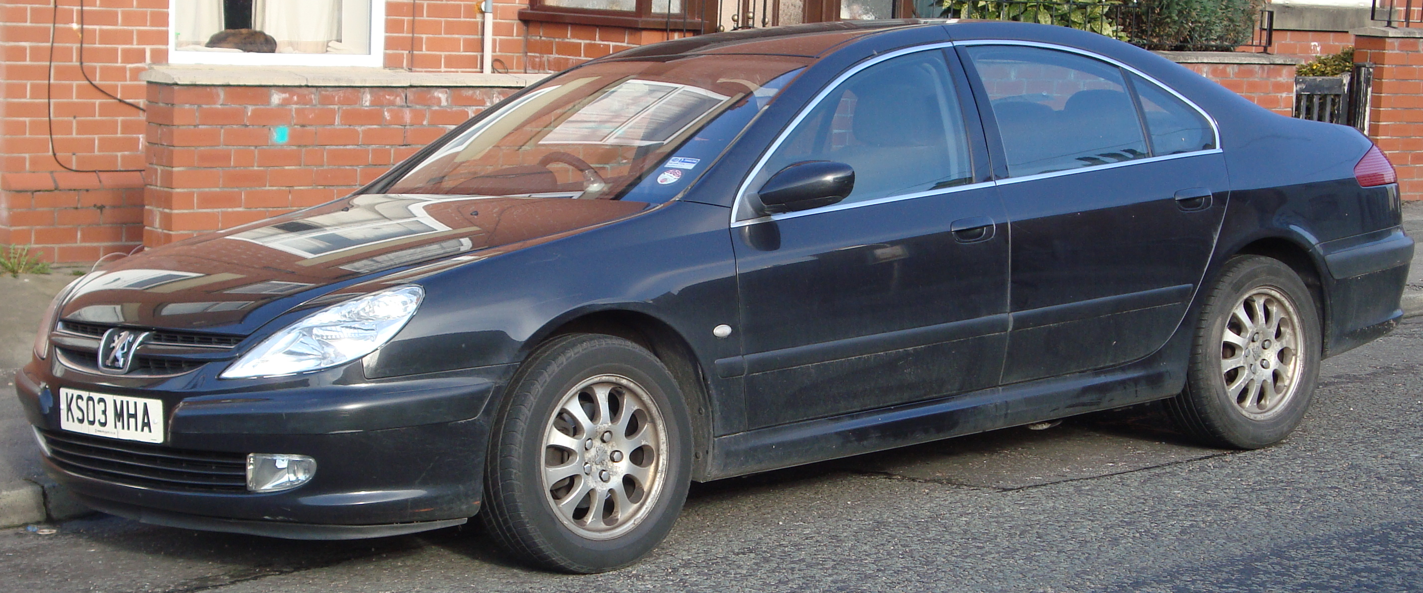 Photo of a Peugeot 607 similar to the one found at Nortre Dame.