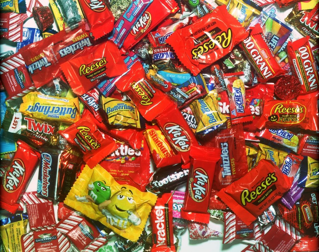 WA business corrals 1,000 pounds of Halloween candy for troops