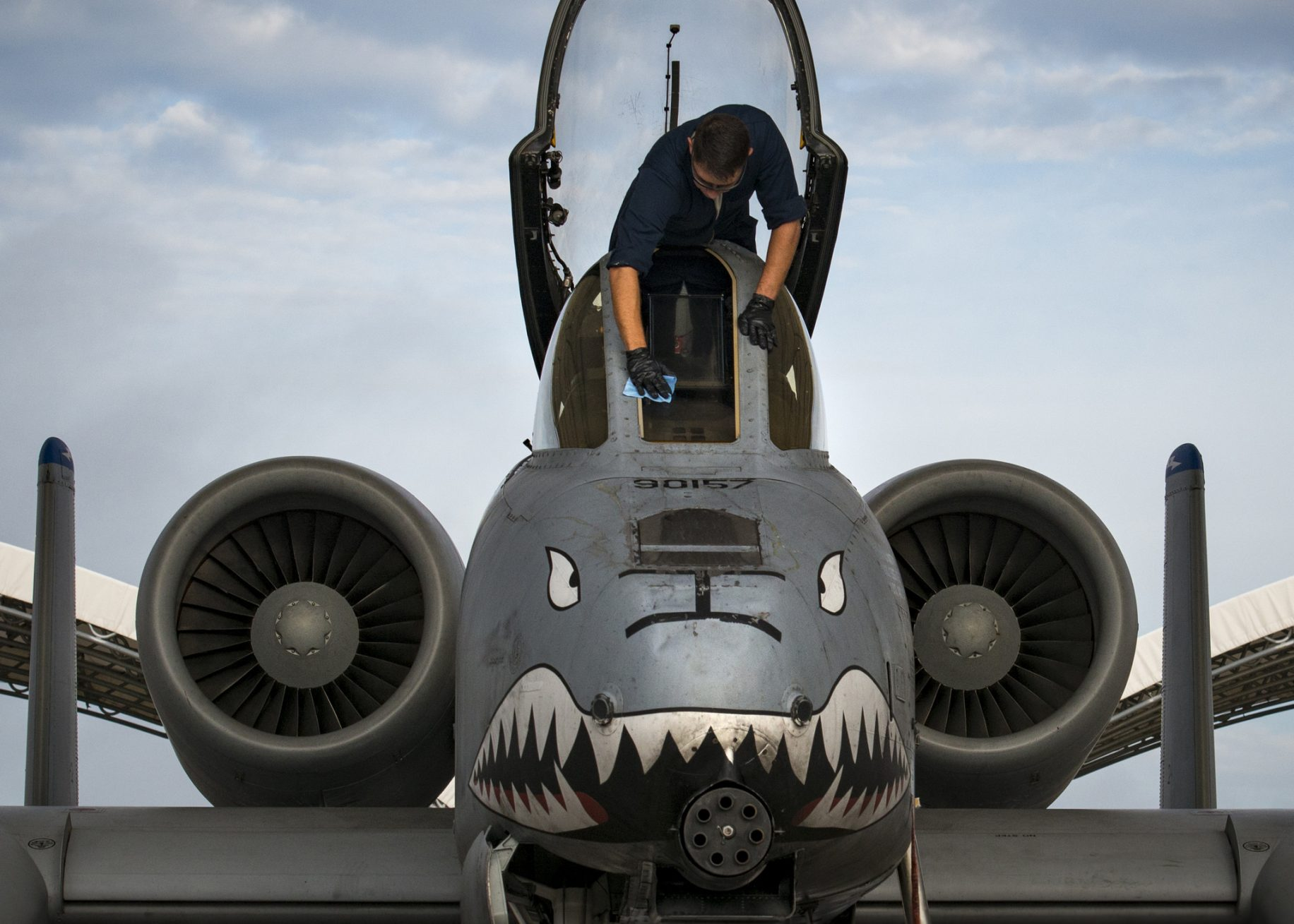 Pics: A-10 makes emergency landing on its belly at Moody AFB