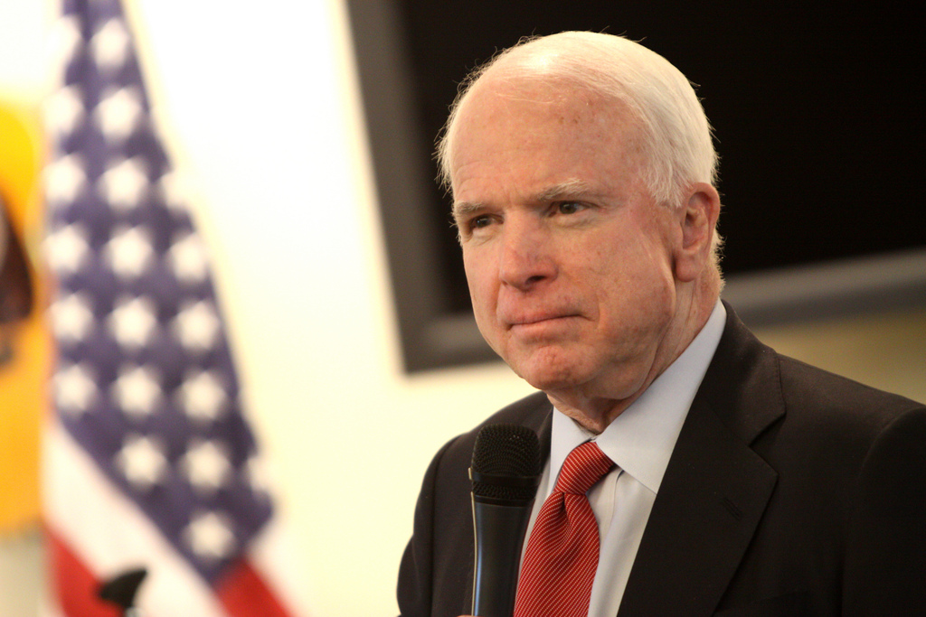 McCain Confuses Everyone With His Questions For Comey, Goes Trending On Twitter Instead Featured