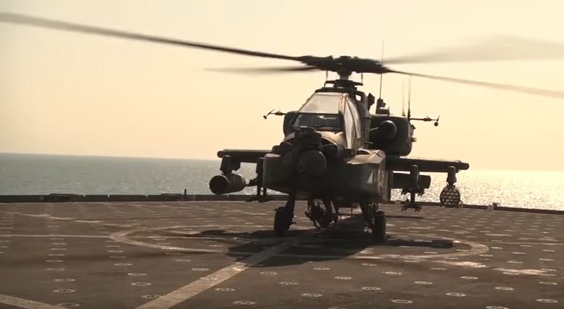 Watch U.S. Army Apache Helicopters Land On A Moving U.S. Navy Ship Featured