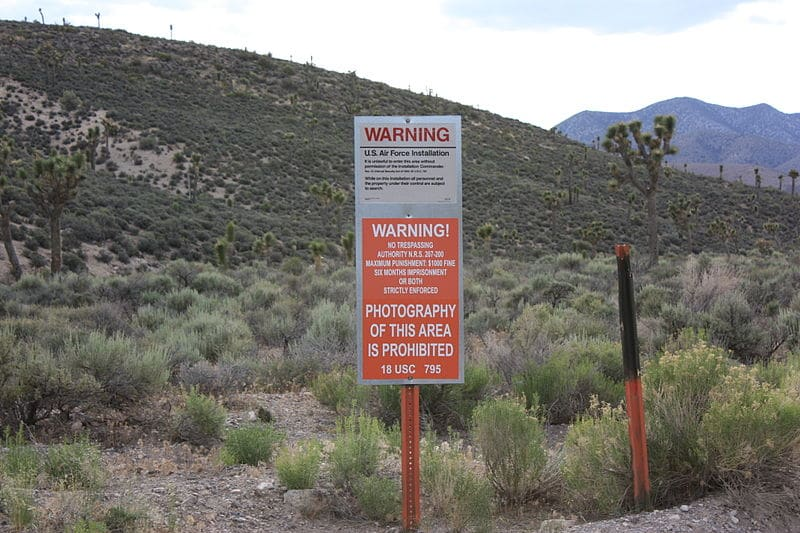 Videos/Pics: Area 51 'raid' turns into desert festival of alien enthusiasts