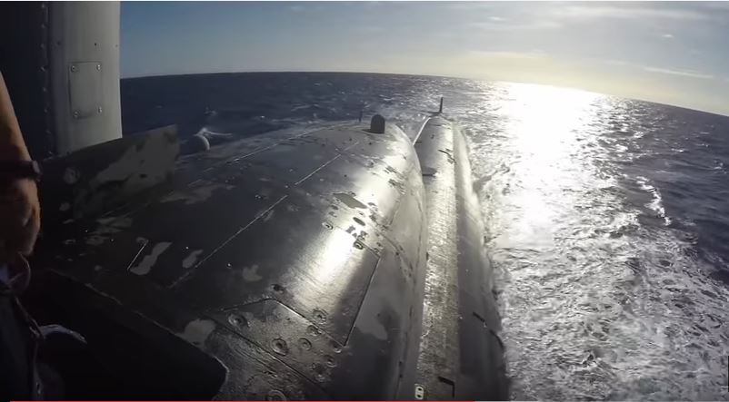 (VIDEO) Topside View In The Conning Tower Of A U.S. Fast Attack Submarine Featured