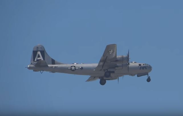 (VIDEO) B-29 SuperFortress Bomber During Engine Start Featured