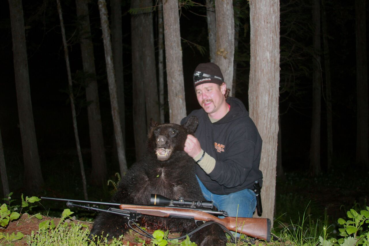 Wounded veterans participate in Hope for the Warriors' therapeutic bear hunt Featured