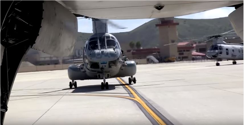 Say Goodbye: Iconic U.S. Marine Helicopter CH-46 Sea Knight Takes Massive Last Flight After 47 Years Of Service Featured