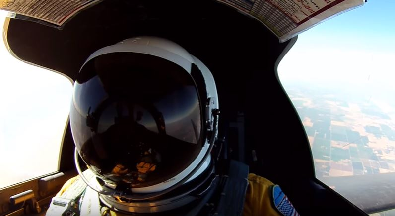 (Watch) Step Into The Cockpit Of A Spy Plane At 70,000 Feet Featured