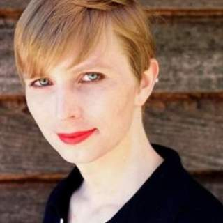 Chelsea Manning 1 320x320 - Canada denies Chelsea Manning entrance into country because of 'treason'