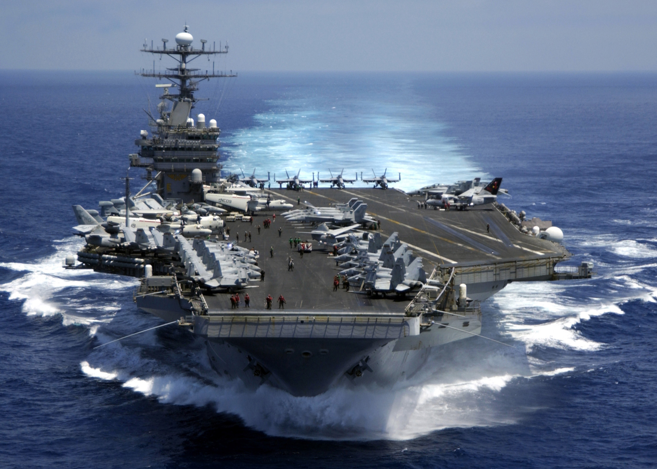 US sailor hit, injured by towed aircraft on USS Carl Vinson flight deck Featured