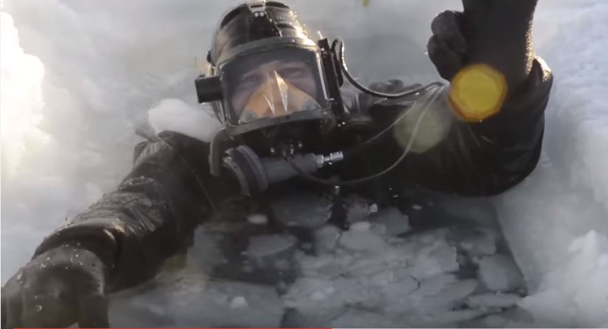 Incredible Footage Of U.S. Navy Diver's Arctic Adventure In Sub-Zero Temperatures Featured