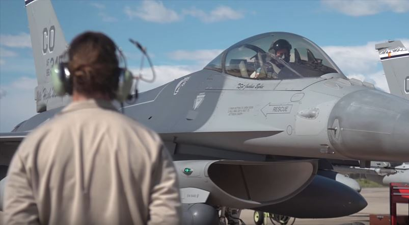 F 16 Deploying To Japan - Watch The Colorado Air National Guard Take Off For Japan