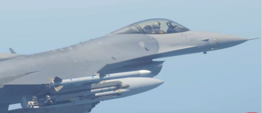 (WATCH) With a new upgrade, the F-16 Fighting Falcon will fight on for years to come Featured