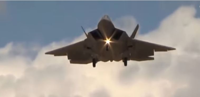 U.S. F-22 Raptor Vs. Russian Sukhoi PAK FA T-50 – Which Would Win? Featured