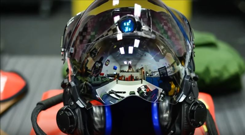 (VIDEO) Check Out The Revolutionary Helmet Worn By F-35 Lightning Pilots Featured