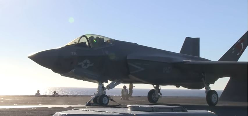 Outstanding Footage Of The Lightning II F-35C Carrier Variant Stealth Joint Strike Fighter During Takeoff & Landing Featured