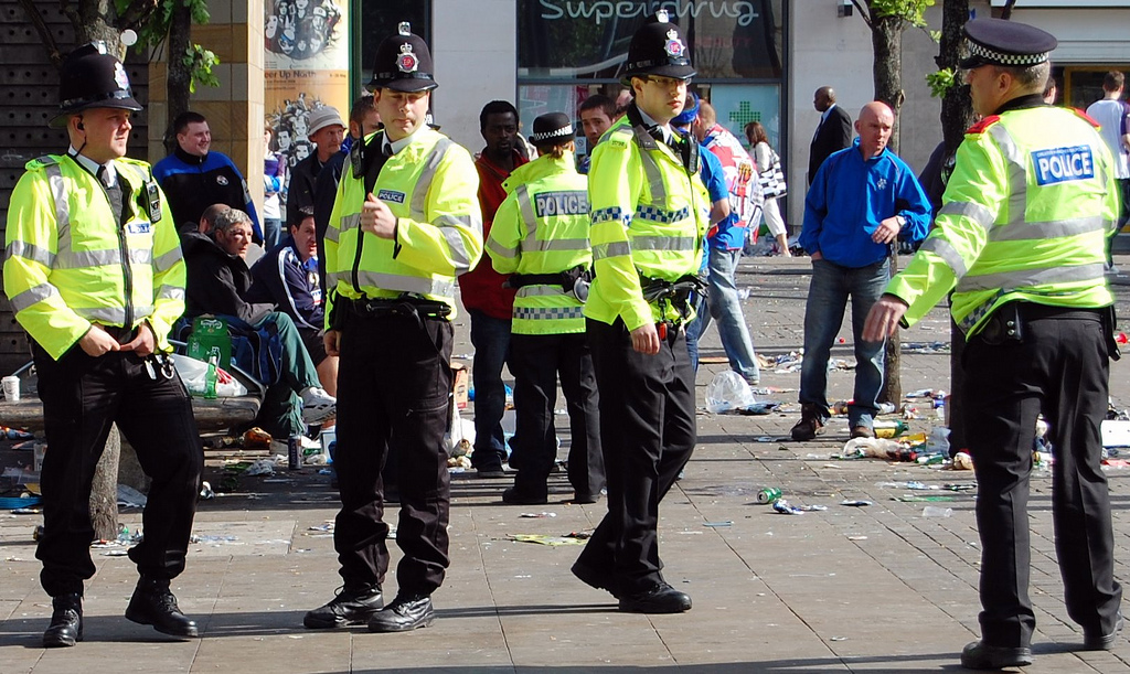 Greater_Manchester_Police_officers_in_Piccadilly_Gardens_(Manchester,_England)_2