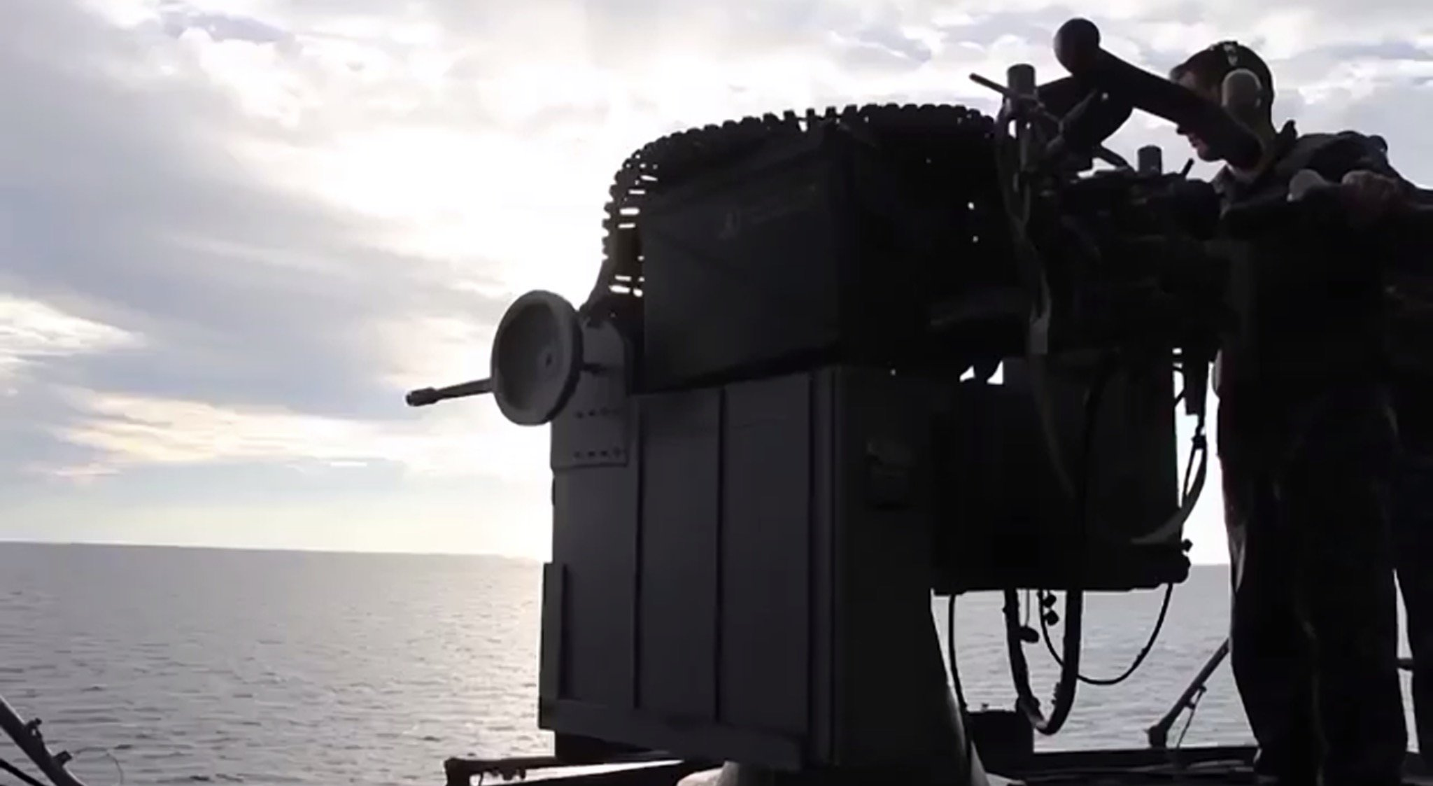Watch U.S. Sailors Fire The Mk38/M242 Bushmaster From The USS Kearsarge Featured