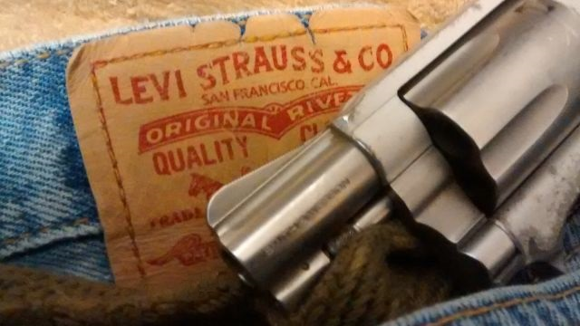 Levi Strauss Asks CCW Holders To Leave Their Guns At Home When Shopping At Levi's Stores Featured