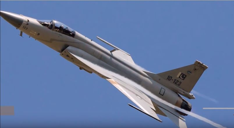 Is The New Pakistani JF-17 Jet A Thunder Or A Blunder In Comparison To The F-16 Fighting Falcon? Featured