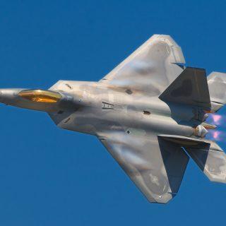 Lockheed_Martin_F-22A_Raptor_JSOH