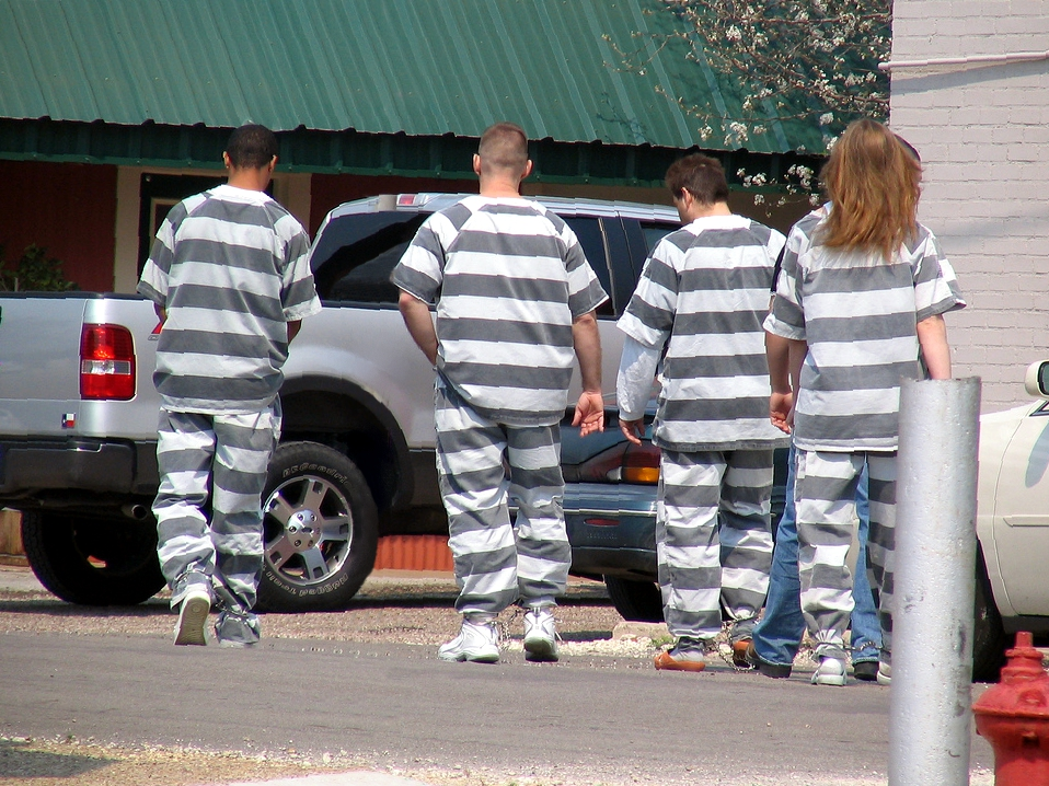 Modern chain gang - Prisoners Creating Defective Helmets For American Soldiers Cost Taxpayers Millions