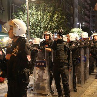 Police_at_a_protest_on_General_Asım_Gündüz_Cd,_Kadıköy,_Istanbul_3
