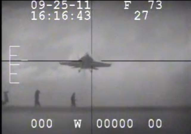 (VIDEO) Two Sailors Have Close Call With Fighter Jet Featured