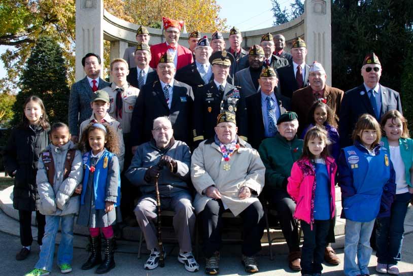 American Veteran Returns War Trophy To Vietnam Featured