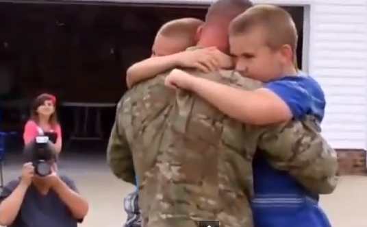 Video: Soldier Surprises Sons Featured