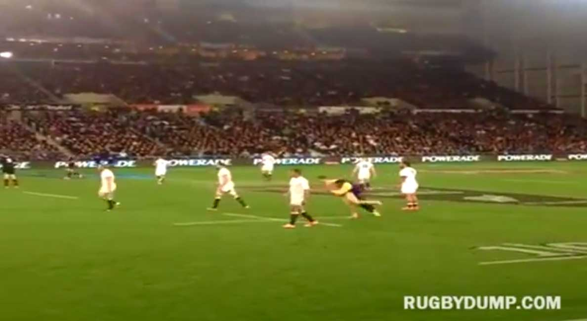 Streaker Sneaks Onto Rugby Field…And Then Gets LEVELED! Featured
