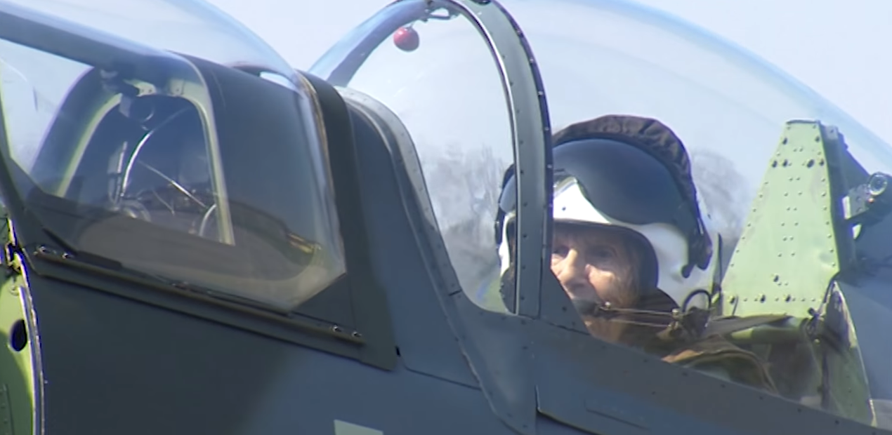 (WATCH) 91 Year Old WW2 Female Pilot Takes One More Flight In Spitfire Featured