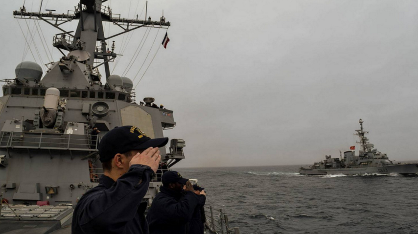 American Destroyer Passes French Frigate And Gives Amazing Show Of Respect Featured
