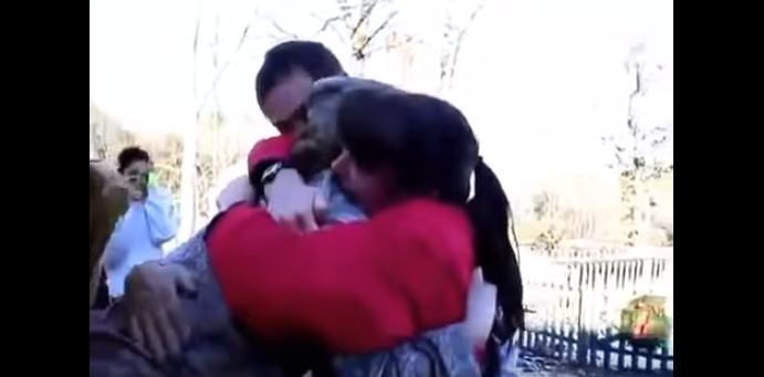 (WATCH) The Best Thanksgiving Military Surprise Homecomings Featured
