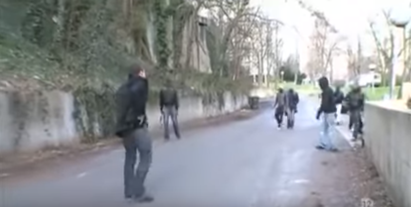 New Video Shows Frenchman Attacked By Gang Of Muslim Refugees, Luckily He Had Something Important On His Hip Featured