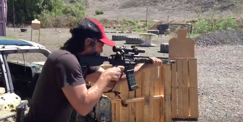 Keanu Reeves Shows Off Incredible Sharpshooting Skills Featured