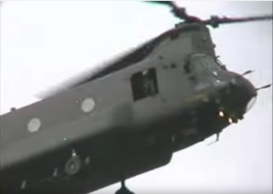 Spectators Left Stunned as Chinook Helicopter Attempts Unbelievable Aerial Stunt In Front of Unsuspecting Crowd Featured