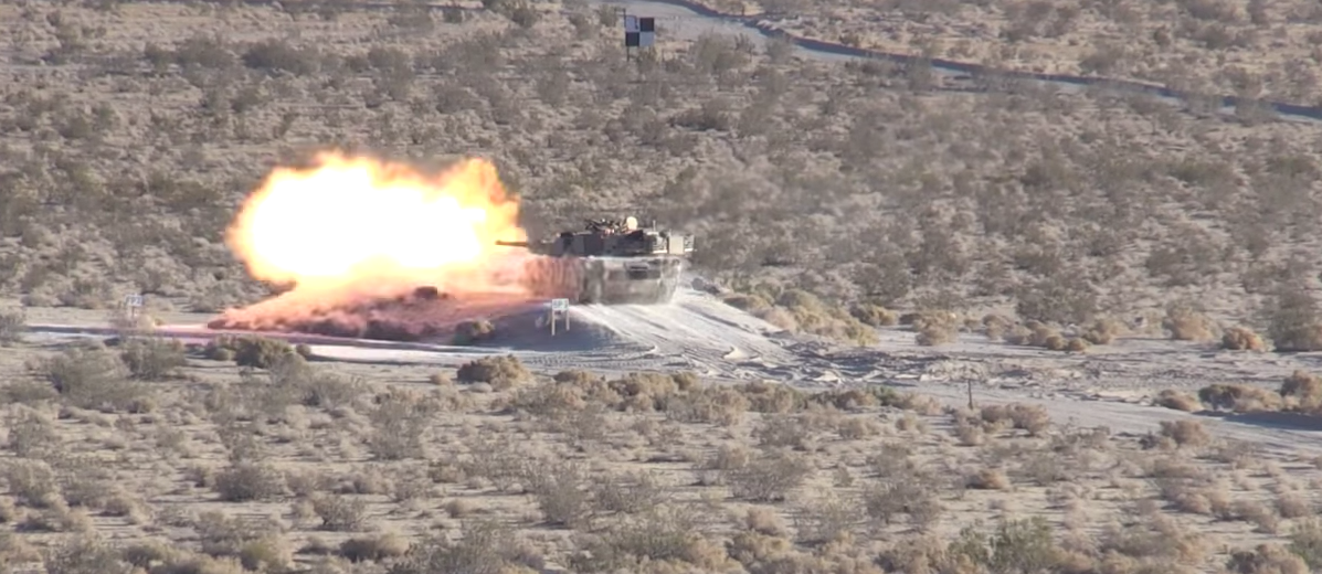Extreme Ops – Watch A C-17 Landing On A Dirt Runway And A M1 Abrams' Shooting POV Featured