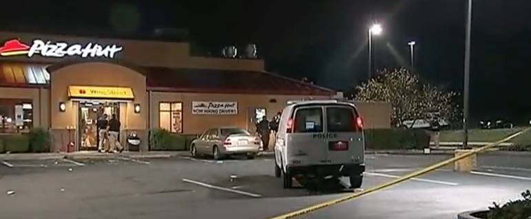 Armed Pizza Hut Employee Shoots And Kills 1 of 3 Armed Robbers While Defending Himself & The Store Featured