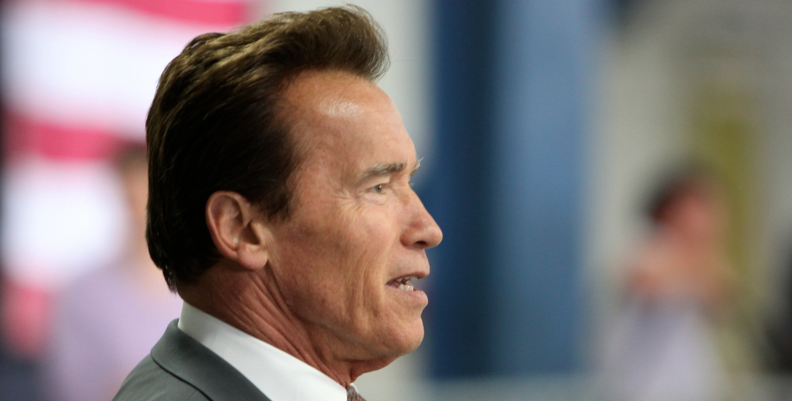 """Schwarzenegger Tells Americans To """"Stop Whining"""" & Support Trump Featured"""