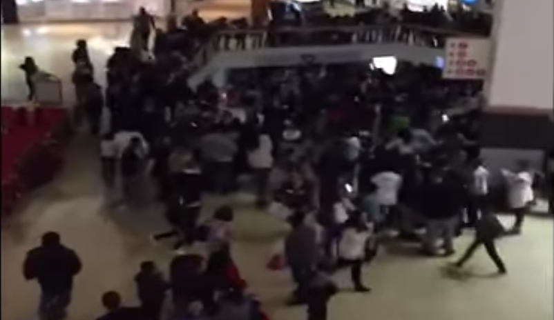 Massive Mall Brawls Break Out Across The U.S. For Christmas 2016 Featured